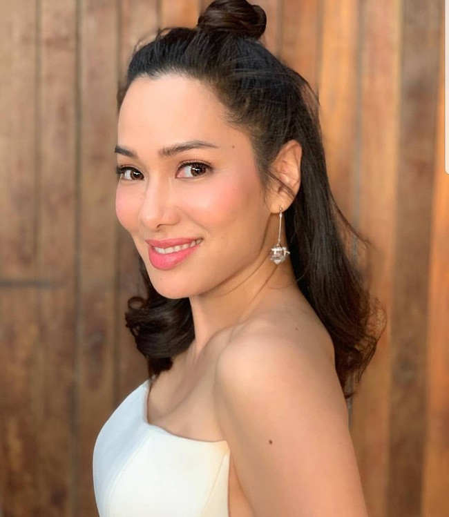 Những quý cô U40 cực phẩm của showbiz Thái: Đẹp, quyền lực, toàn yêu đại gia - ảnh 27