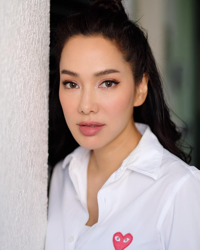 Những quý cô U40 cực phẩm của showbiz Thái: Đẹp, quyền lực, toàn yêu đại gia - ảnh 28