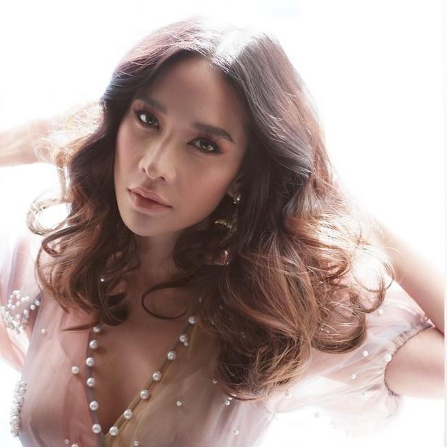 Những quý cô U40 cực phẩm của showbiz Thái: Đẹp, quyền lực, toàn yêu đại gia - ảnh 8