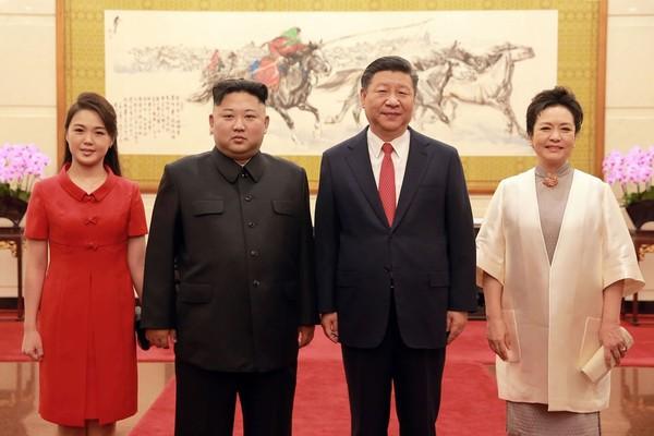 Nhan sắc yêu kiều của nữ ca sĩ là phu nhân ông Kim Jong Un, biểu tượng thời trang Triều Tiên - Ảnh 8.