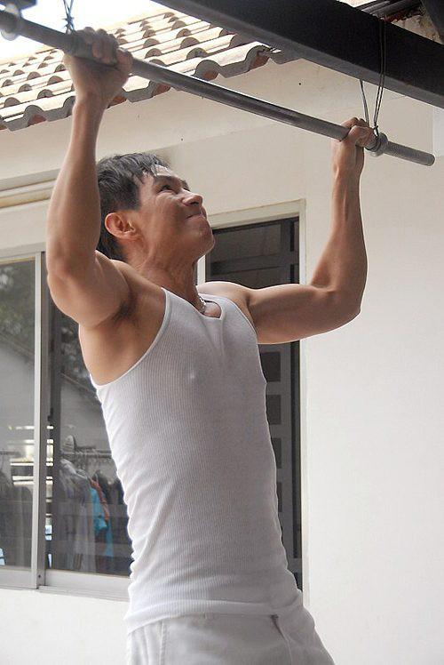 Showbiz Việt: Ngỡ ngàng với body của loạt sao nam U50 - ảnh 10