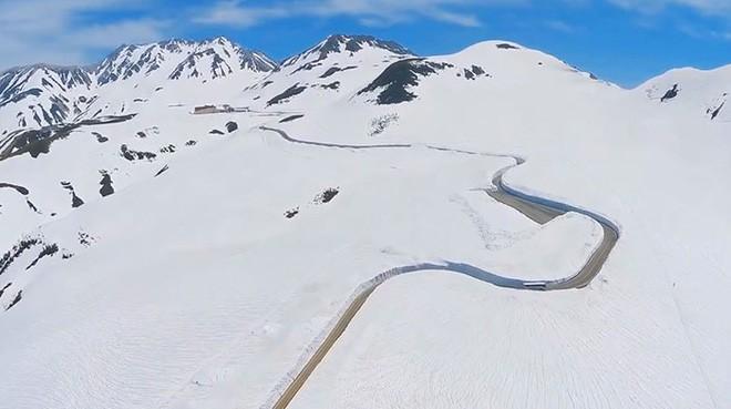 Tuyết phủ cao tới 17m, thung lũng quanh co ở Nhật được mệnh danh là The Wall đời thực - Ảnh 3.