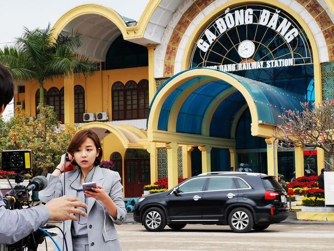Cận cảnh nhan sắc các BTV, MC quốc tế gây sốt khi tác nghiệp tại Việt Nam vài ngày qua - Ảnh 2.