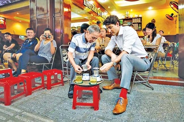 Những món ăn và đồ uống từng được các nguyên thủ nước ngoài lựa chọn khi tới Việt Nam - Ảnh 4.