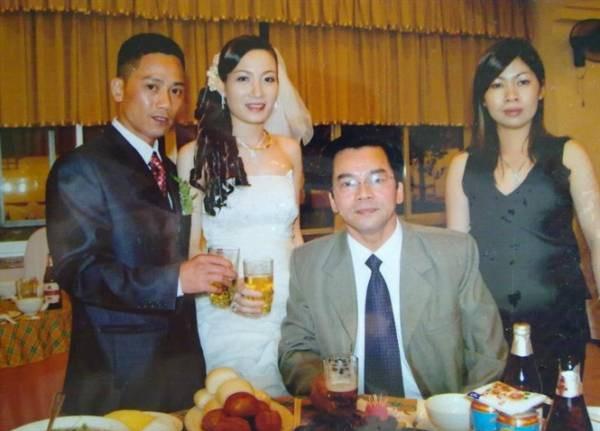 Vóc dáng nhỏ bé, toàn diễn vai phụ nhưng con trai NSND Trần Nhượng cưới vợ xinh đẹp, thi hoa hậu  - Ảnh 1.