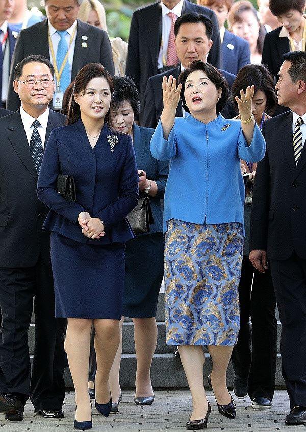 Vẻ đẹp đối lập của hai Đệ nhất phu nhân Mỹ và Triều Tiên - Ảnh 3.