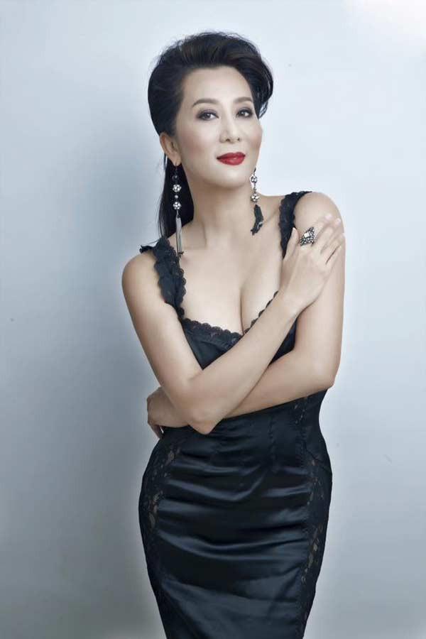 MC Kỳ Duyên: Nếu vợ chồng Việt Hương có người thứ ba, tôi muốn làm vợ bé chen vào - Ảnh 1.