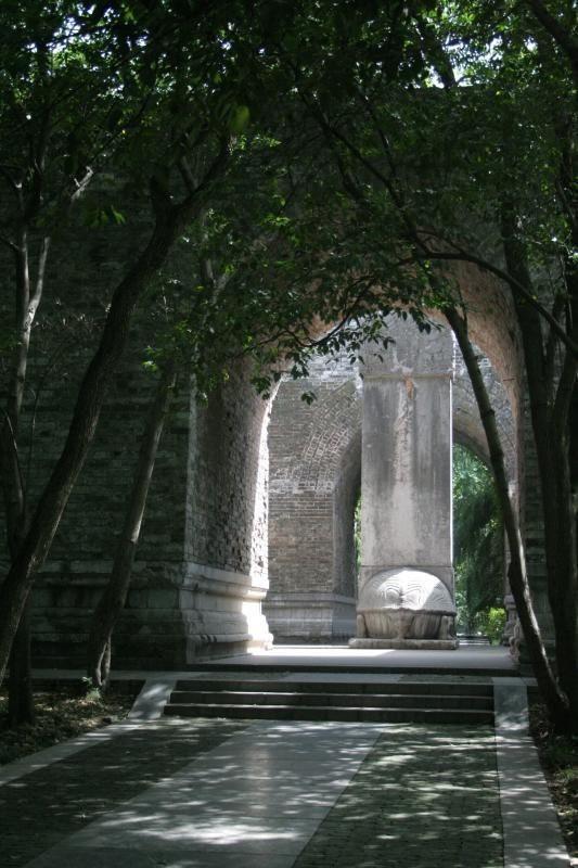 Xuống lăng mộ bí ẩn và vĩ đại nhất thế giới, chứa hàng ngàn tấn báu vật - Ảnh 19.