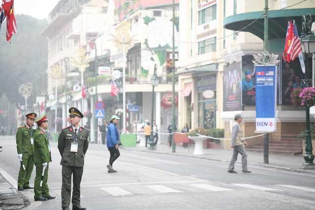 Hôm nay, cấm triệt để phương tiện lưu thông trên 10 tuyến phố phục vụ Thượng đỉnh Mỹ - Triều - Ảnh 3.