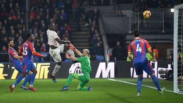 M.U vô đối, Solskjaer chính thức vượt qua Alex Ferguson - Ảnh 2.