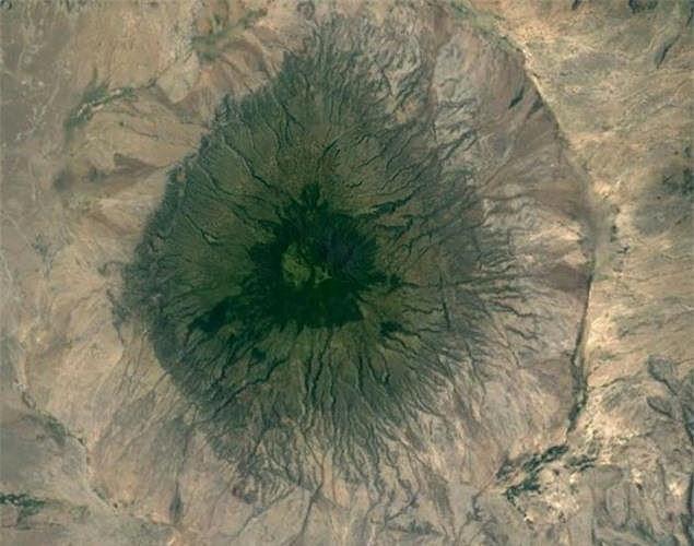Bất ngờ với những bức ảnh thú vị tìm được trên Google Earth - Ảnh 8.