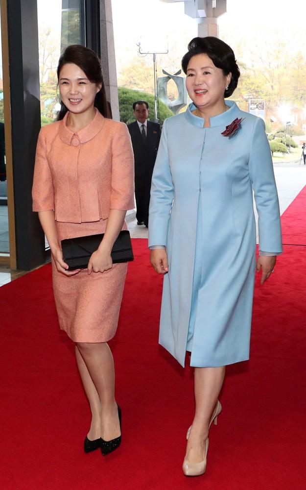 Vẻ đẹp đối lập của hai Đệ nhất phu nhân Mỹ và Triều Tiên - Ảnh 5.