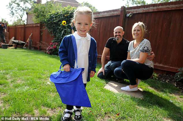 Bé gái sinh non 4 lạng trong bức ảnh từng gây xót xa cộng đồng mạng giờ đã lớn với ngoại hình không thể ngờ - Ảnh 10.