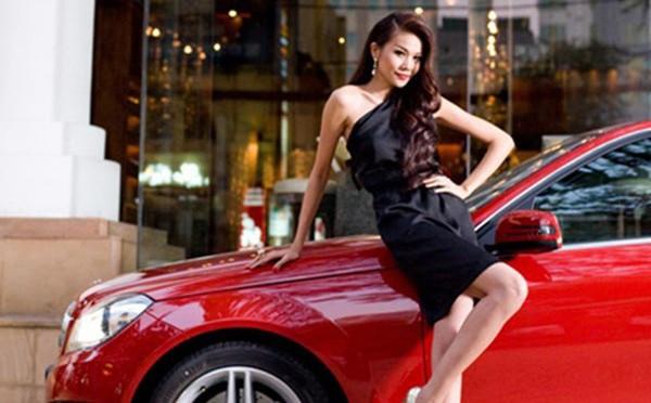 Thanh Hằng - siêu mẫu tuổi Hợi: Xinh đẹp, tài năng, giàu có nhưng vẫn chưa thoát ế? - Ảnh 2.