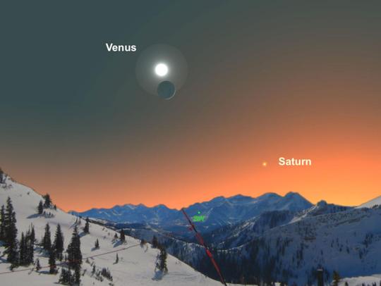 Sao Hôm (Venus) sẽ song hành cùng trăng lưỡi liềm lúc hoàng hôn - ảnh: NATIONAL GEOGRAPHIC