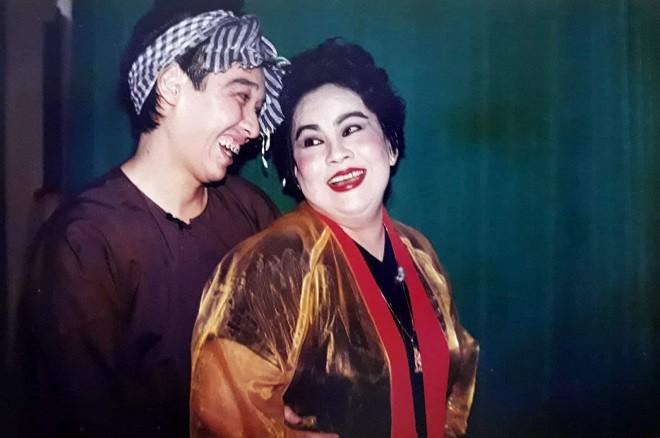 Nghệ sĩ Thái Quốc: Từ bỏ sự nghiệp đang lên, 10 năm chăm sóc cha ung thư, mẹ mất trí nhớ - Ảnh 4.