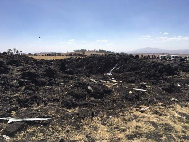 Vụ tai nạn máy bay thảm khốc ở Ethiopia: Cơ trưởng xin phép quay đầu ngay trước khi máy bay rơi - Ảnh 2.