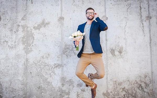 Mê lực đàn ông tốt: 15 điều phụ nữ nhìn trước tiên khi chọn bạn đời - Ảnh 1.