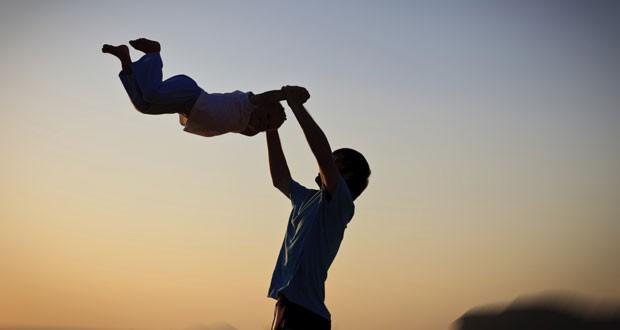 Mê lực đàn ông tốt: 15 điều phụ nữ nhìn trước tiên khi chọn bạn đời - Ảnh 4.