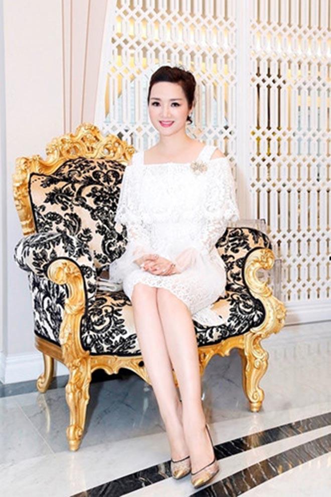 Từng là giai nhân của chủ tịch Tân Hoàng Minh, Hoa hậu không tuổi Giáng My giàu cỡ nào? - Ảnh 6.
