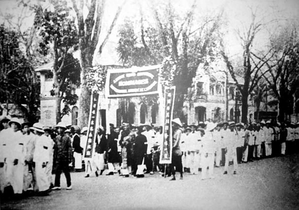 Sau Thế chiến I phong trào cách mạng lần lượt nổ ra mạnh mẽ ở Việt Nam - Ảnh 2.
