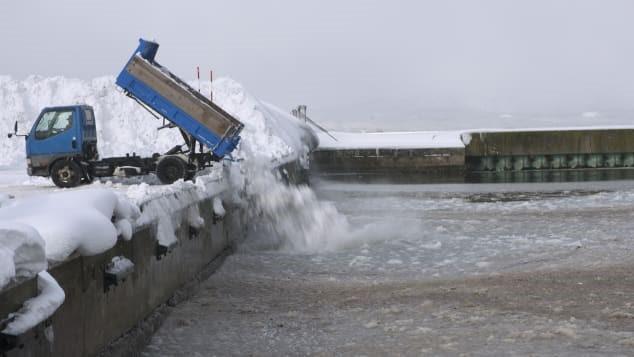 Aomori: Cuộc sống ở thành phố trắng nhất hành tinh, tuyết rơi chôn vùi nhà 2 tầng - Ảnh 5.