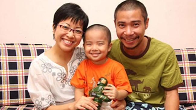 Con trai Thảo Vân nói về cuộc ly hôn của bố mẹ: Mẹ của mọi người đều vất vả nhưng những người li dị còn khổ hơn - Ảnh 1.