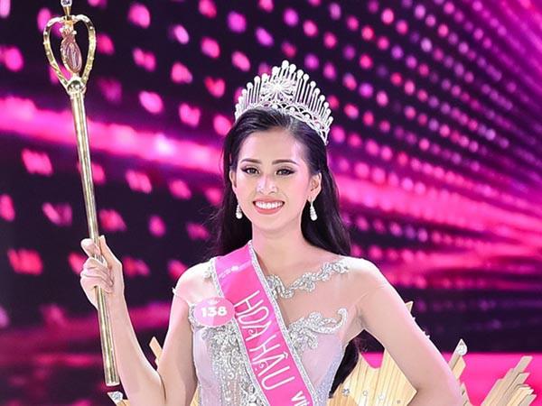 Đăng quang khi tròn 18 tuổi, hoa hậu Tiểu Vy đã lột xác không ngờ sau nửa năm - Ảnh 2.