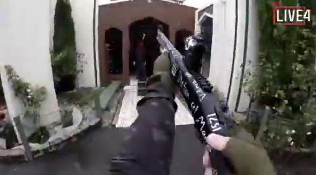 Quá bạo lực và đau đớn, người dân phẫn nộ yêu cầu Facebook, Youtube... gỡ bỏ các video xả súng tại New Zealand - Ảnh 2.