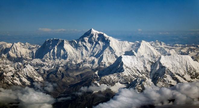 Độ cao thực tế của đỉnh núi cao nhất thế giới Everest: Khi người ta không dám công bố sự thật vì sợ không ai tin - Ảnh 1.