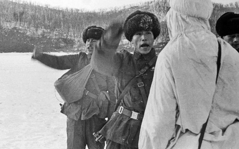 Hồ sơ mật về trận chiến đẫm máu giữa quân Trung Quốc và Liên Xô 1969 - Ảnh 1.