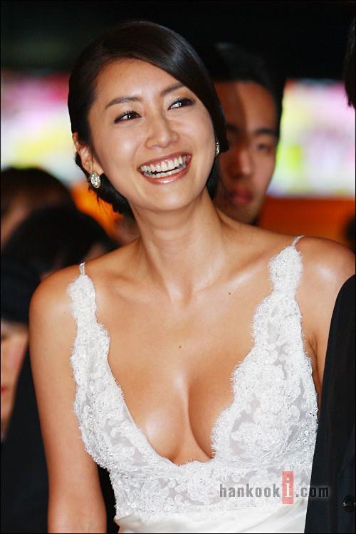 Cuộc đời tan nát của Hoa hậu Hàn Quốc khi bị tung clip sex, qua đêm với 7 người đàn ông, đến giờ vẫn chưa được công chúng tha thứ - Ảnh 3.
