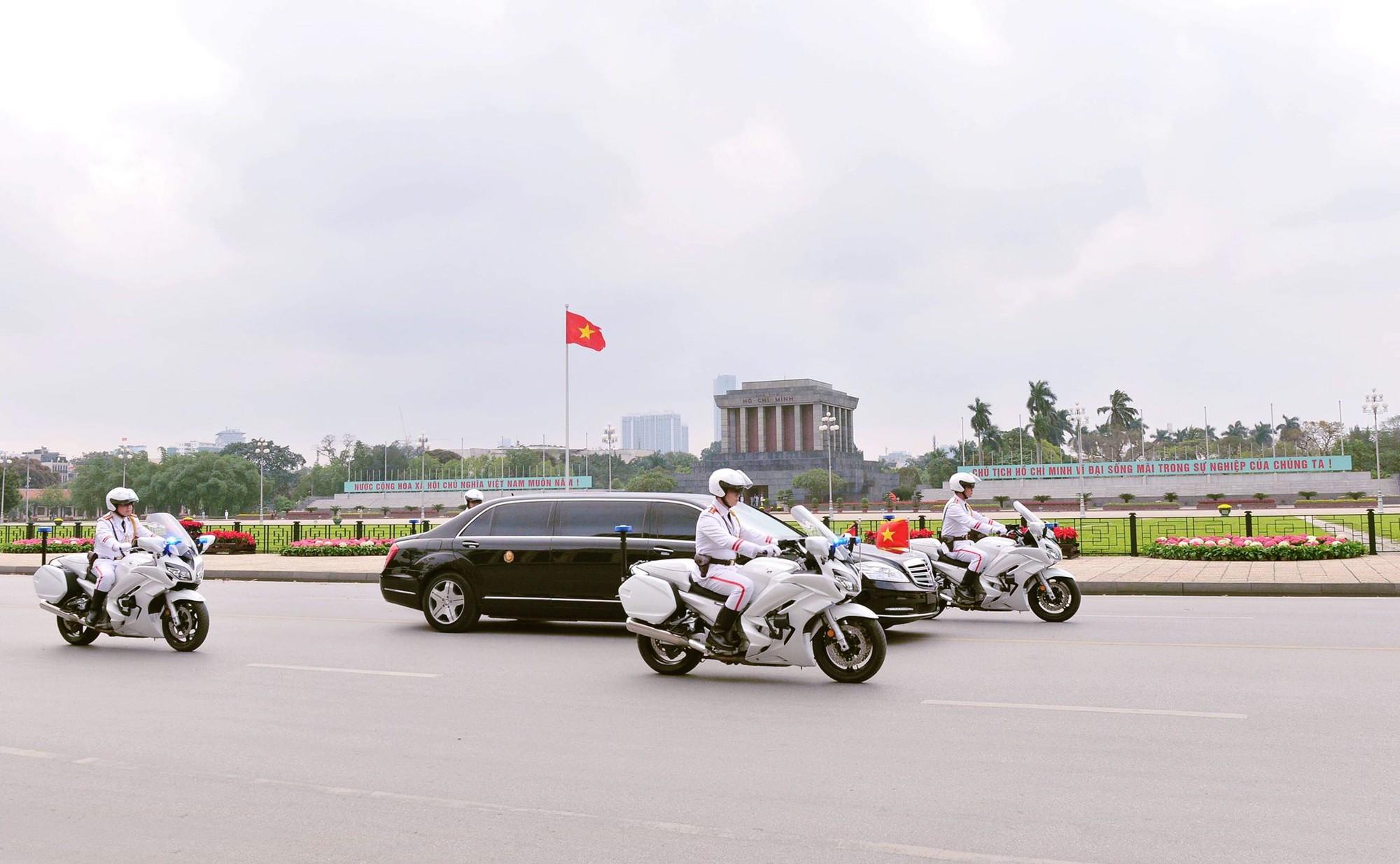 [PHOTO ESSAY] Những khoảnh khắc lịch sử trong chuyến công du Việt Nam đầu tiên của Chủ tịch Kim Jong-un - Ảnh 16.