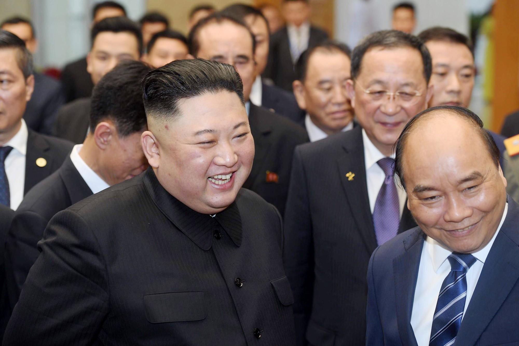 [PHOTO ESSAY] Những khoảnh khắc lịch sử trong chuyến công du Việt Nam đầu tiên của Chủ tịch Kim Jong-un - Ảnh 25.