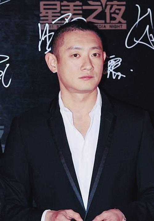 Thiếu gia ăn chơi nhất Trung Quốc: Hạ gục Trương Mẫn, dám tát Triệu Vy, cả đời si mê người đẹp đã mất - Ảnh 1.