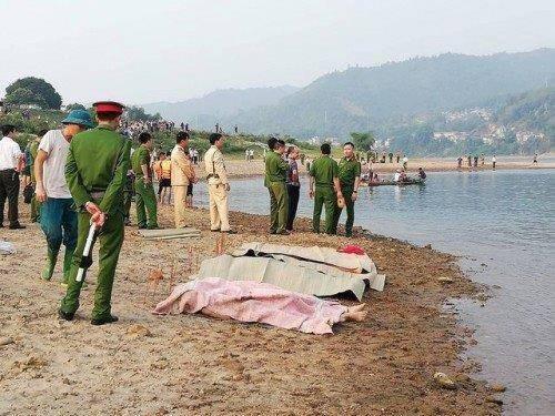 Hiện trường đau lòng vụ 8 học sinh tử vong ở Hòa Bình - Ảnh 5.