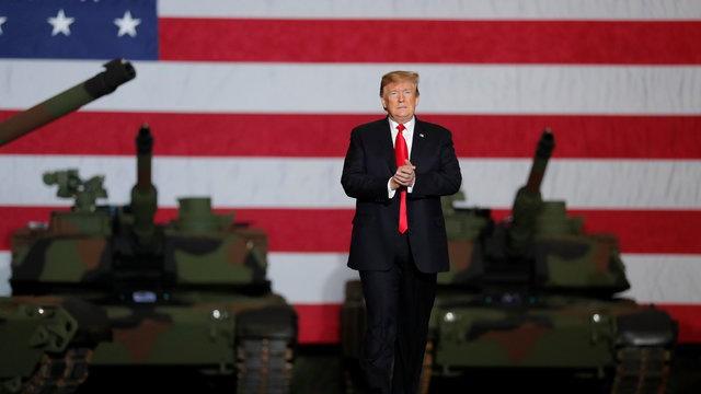 Nguyên tắc ngầm Tổng thống Mỹ không đội mũ và ngoại lệ độc nhất mang tên Donald Trump - Ảnh 1.