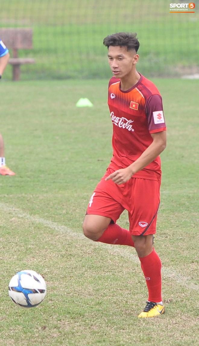 Trung vệ Nguyễn Văn Đạt: Cậu Tư em điển trai và nghệ sĩ của U23 Việt Nam - Ảnh 4.