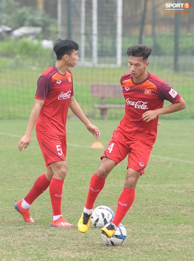 Trung vệ Nguyễn Văn Đạt: Cậu Tư em điển trai và nghệ sĩ của U23 Việt Nam - Ảnh 6.