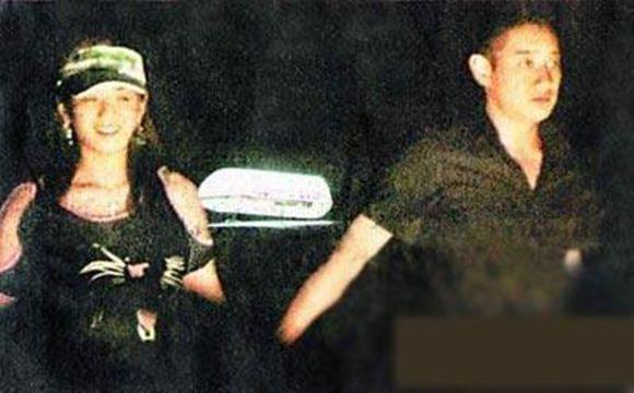 Thiếu gia ăn chơi nhất Trung Quốc: Hạ gục Trương Mẫn, dám tát Triệu Vy, cả đời si mê người đẹp đã mất - Ảnh 5.