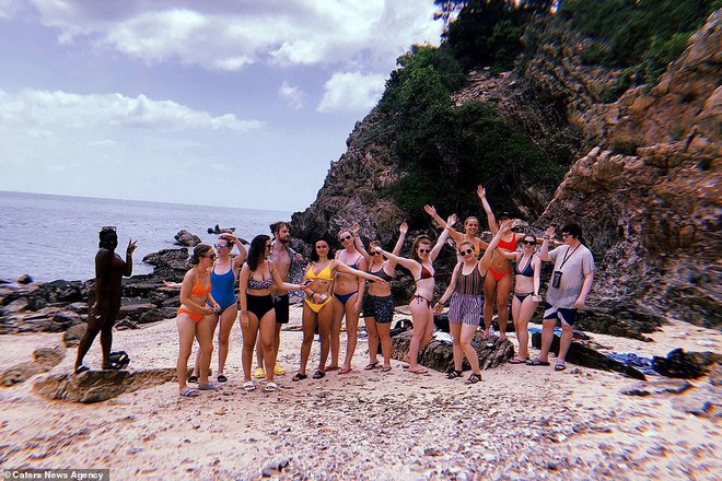 Cú lừa: Nhóm khách Tây 18 người mua vé lặn biển rồi bị bỏ rơi trên hoang đảo toàn rắn ở Thái Lan - Ảnh 2.