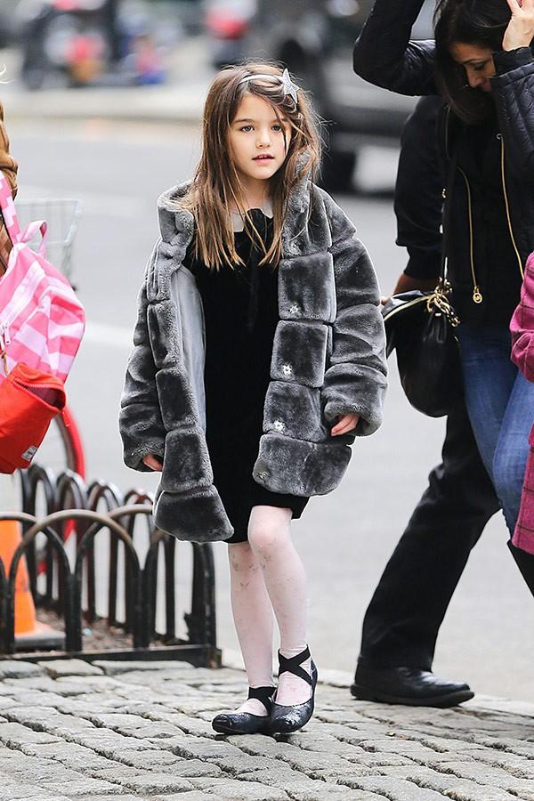 """Con gái Tom Cruise mặc xuề xoà nhưng gây sốt vì xinh ngỡ ngàng: Đẳng cấp nhan sắc """"công chúa Hollywood"""" - Ảnh 2."""