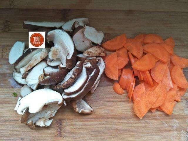 Món ăn làm sạch mạch máu, thông đường ruột nổi tiếng Đông y chỉ với 3 thực phẩm bình dân - Ảnh 4.