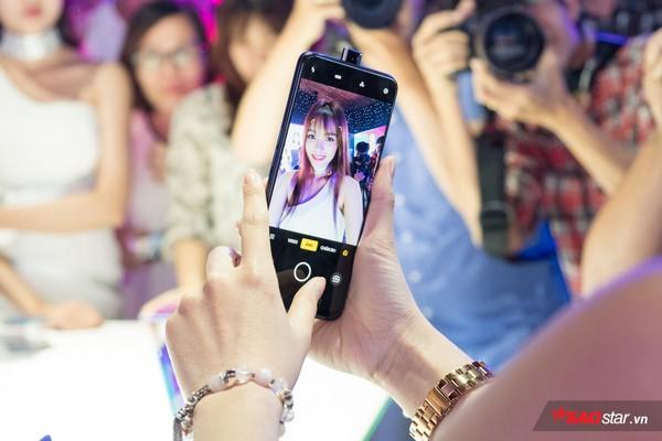 OPPO F11 Pro ra mắt tại Việt Nam: Camera selfie tàng hình độc đáo, camera sau 48 MP - Ảnh 1.