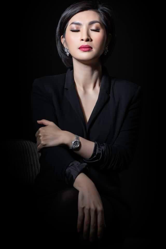 Nhan sắc rạng rỡ của nữ ca sĩ vừa trở về Việt Nam sau 15 năm biệt xứ vì scandal ảnh nóng - Ảnh 6.