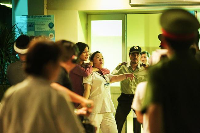 Nữ y tá trong phim Hai Phượng: Cuộc sống thiếu thốn và nỗi sợ hãi bị lãng quên - Ảnh 1.