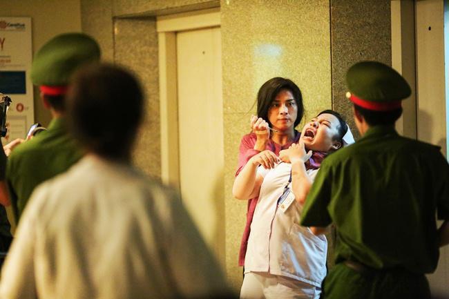Nữ y tá trong phim Hai Phượng: Cuộc sống thiếu thốn và nỗi sợ hãi bị lãng quên - Ảnh 2.