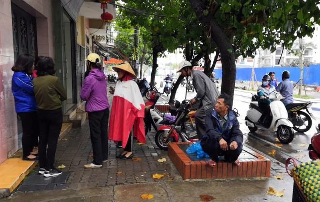 Thầy cúng truy sát 4 người trong gia đình hàng xóm ở Nam Định đã tử vong trưa nay - ảnh 2