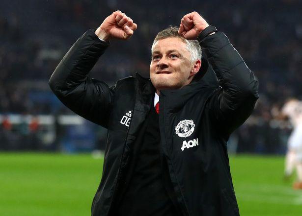 Man United đại thắng, Gary Neville làm fan phấn khích với 3 câu hỏi xoáy cho Solskjaer - Ảnh 1.