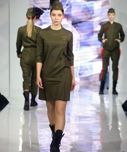 Ảnh: Thời trang quân sự Nga - hấp dẫn, sành điệu và khỏe khoắn - ảnh 1